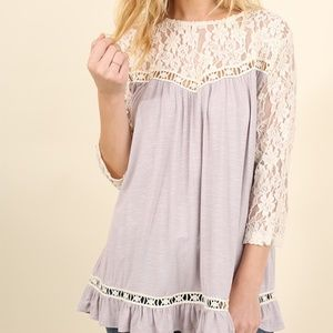 NWT Umgee 3/4 Sleeve Floral Lace top